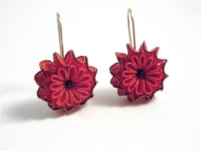 Anke Hennig Ohrhänger Blüte rot