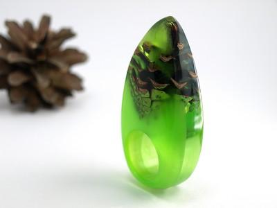 Ring Tannenzapfen grün