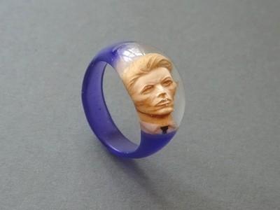Olivier Hondelatte - Porträtring Bowie 2.jpg